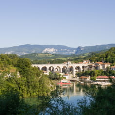 Aqueduc de Saint Nazaire-en-Royans sur la Vallée de l'Isère