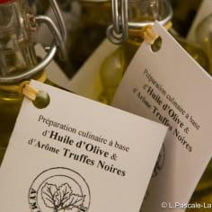 bouteille d'huile d'olive aux arômes de truffe noire de la Drôme