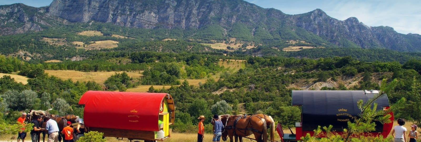 Petite évasion bohème en roulotte tirée par des chevaux