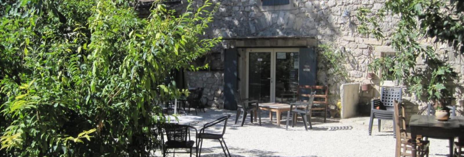 La Marguerite - La cour du restaurant