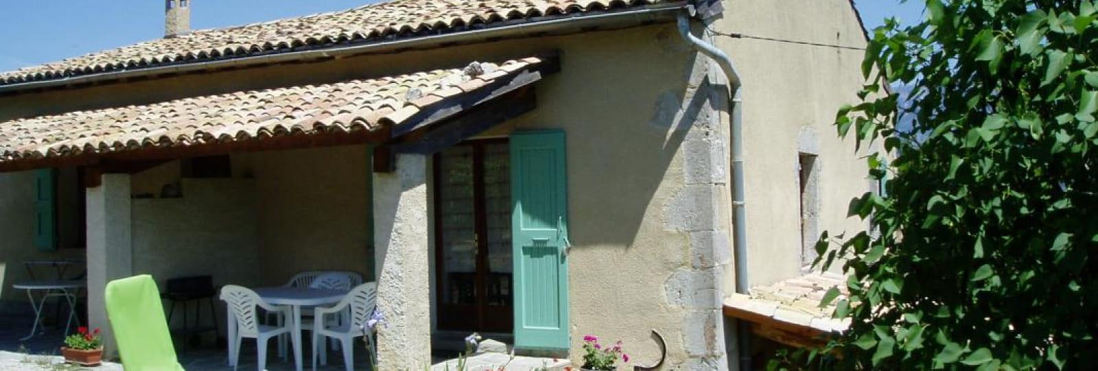 Terrasse plein sud gîte La Pousterle