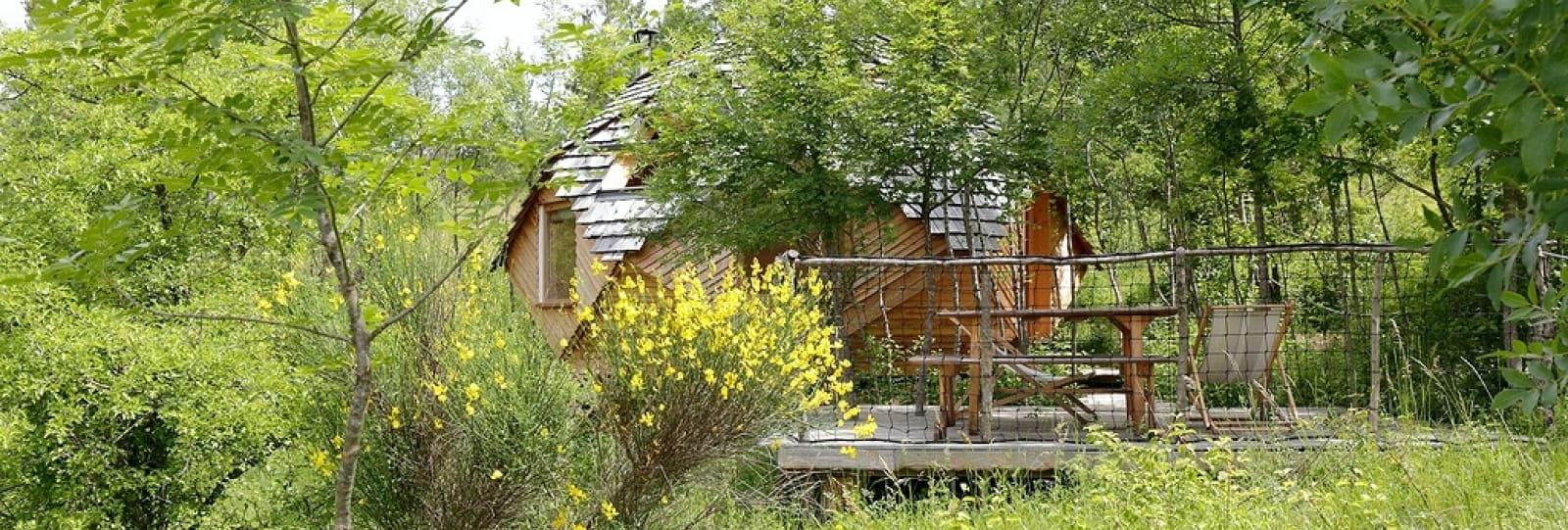 Le Présent Simple : tipi et cabanes