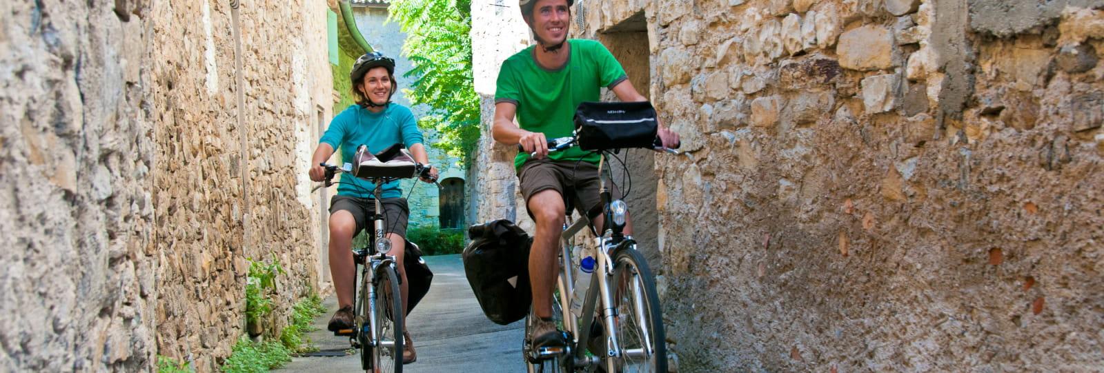 Cycling in Drôme, from Bourdeaux to Drôme Provençale