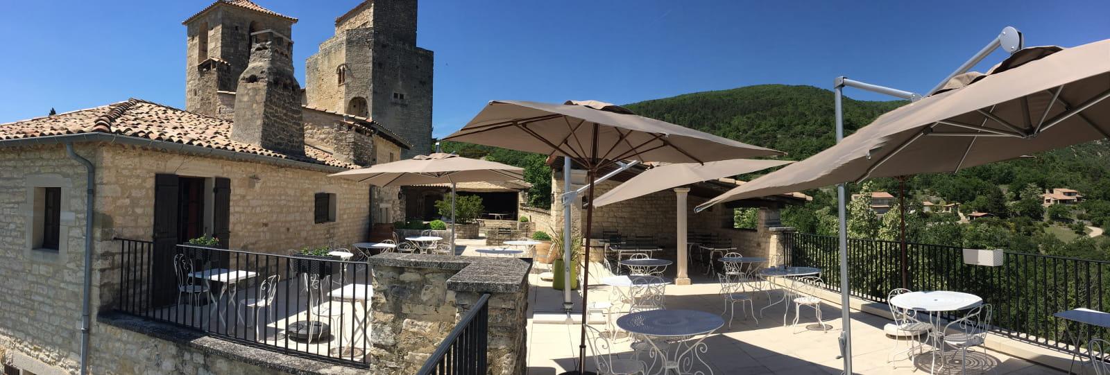 Terrasse panoramique vue donjon du chateau