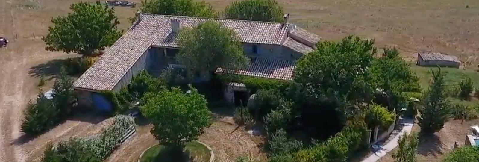 www.gites-de-provence.com