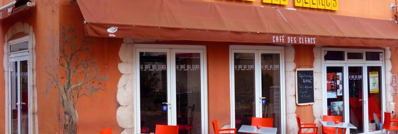 Le Café des Clercs