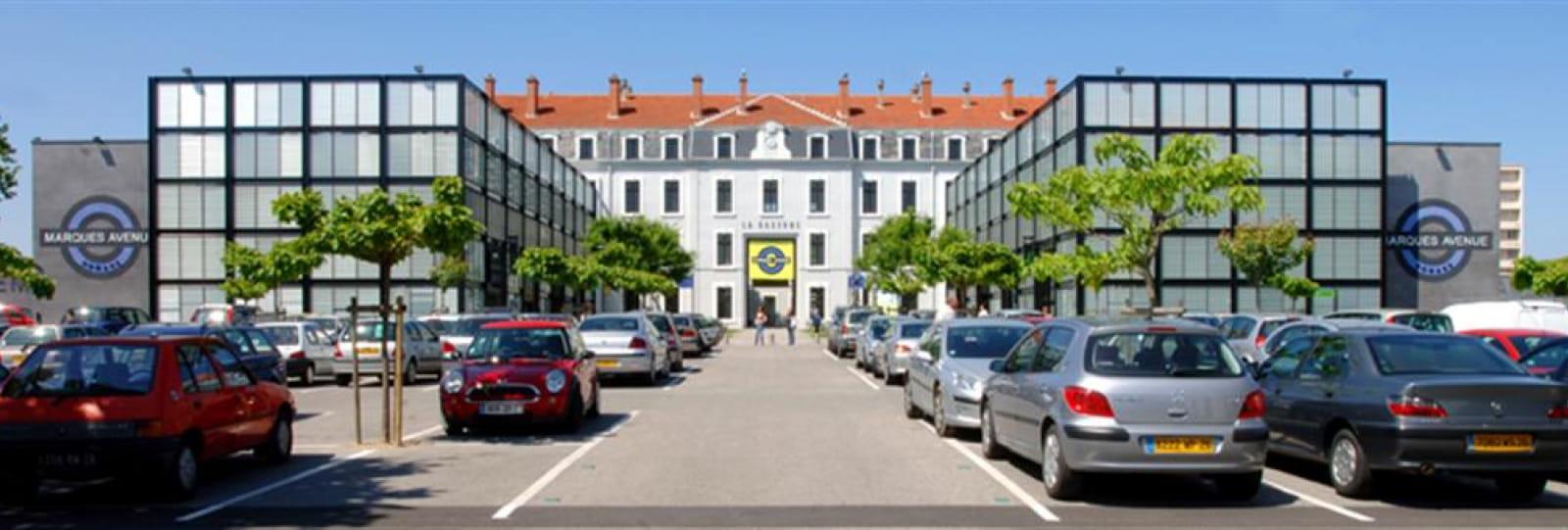 La Caserne Bon : Marques Avenue