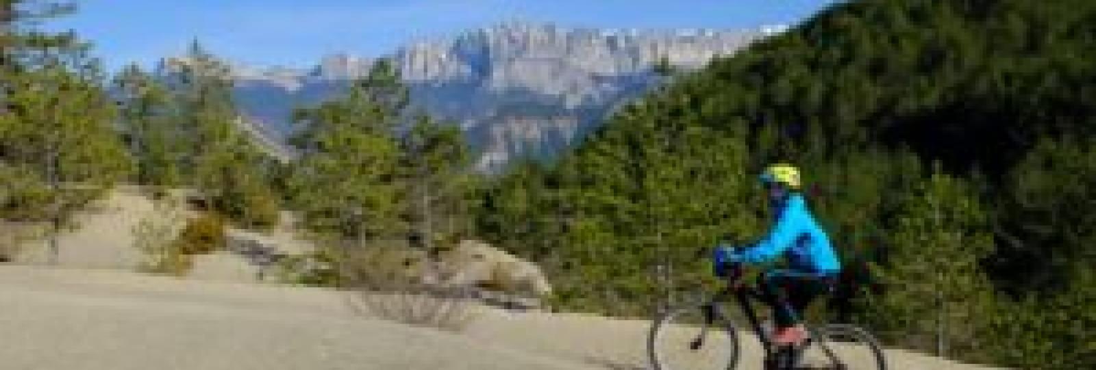 Sortie en VTT électrique sportive - Sur les Hauteurs du Diois avec BEcyclette