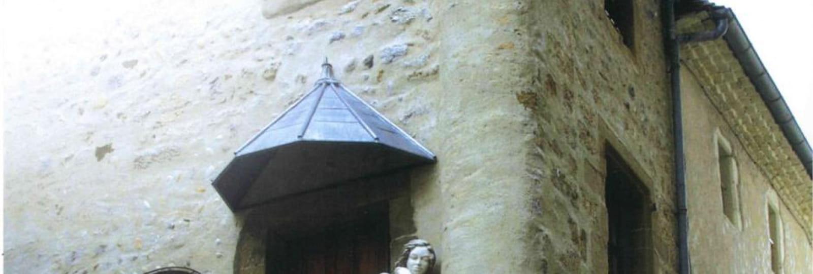 Maison de l'Oratoire, vitrine de Sculpturart