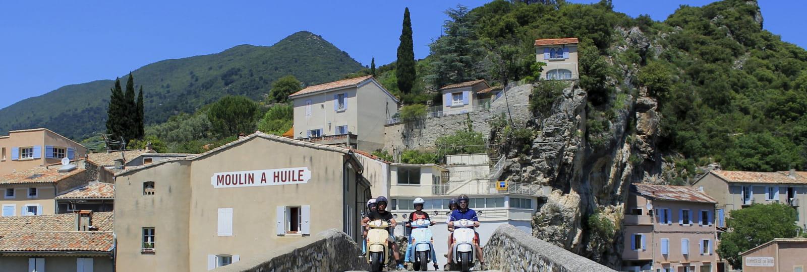 scoot nomad 198 tourisme 2 roues en drome provencale 2