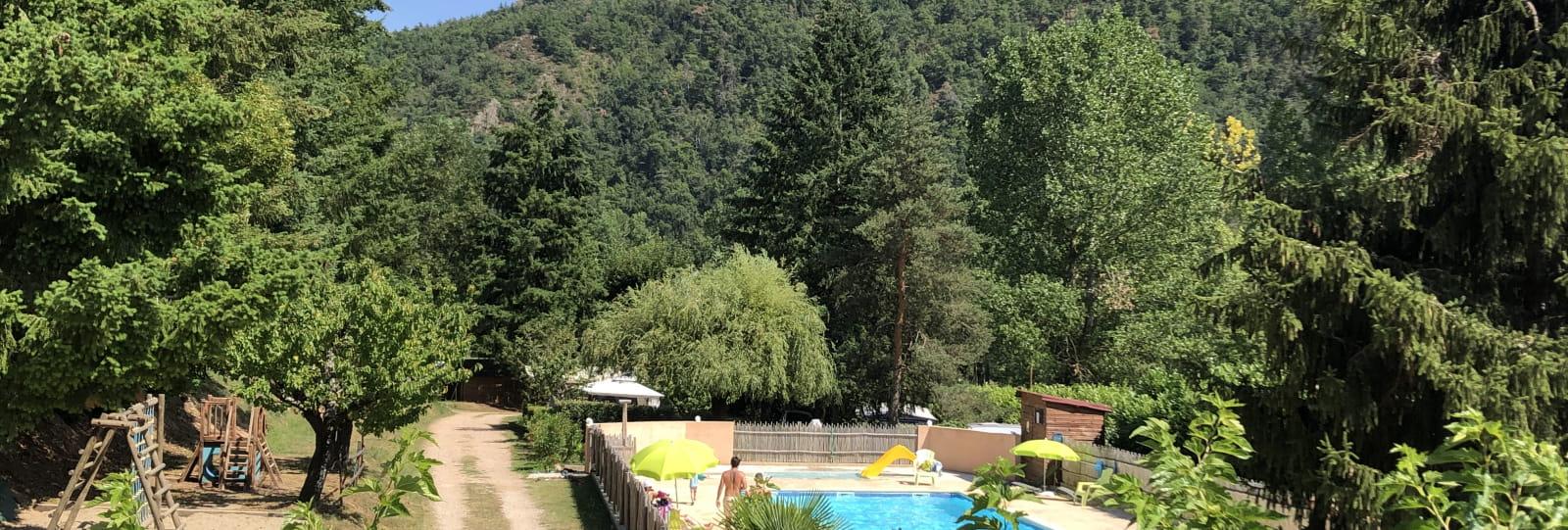 piscine_camping les berges du doux