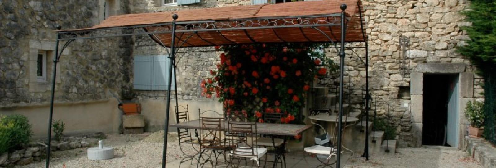 Gîte pour 4 personnes, e Drôme Provençale