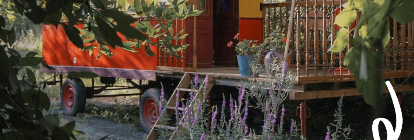 roulotte scoot nomad tourisme en drome