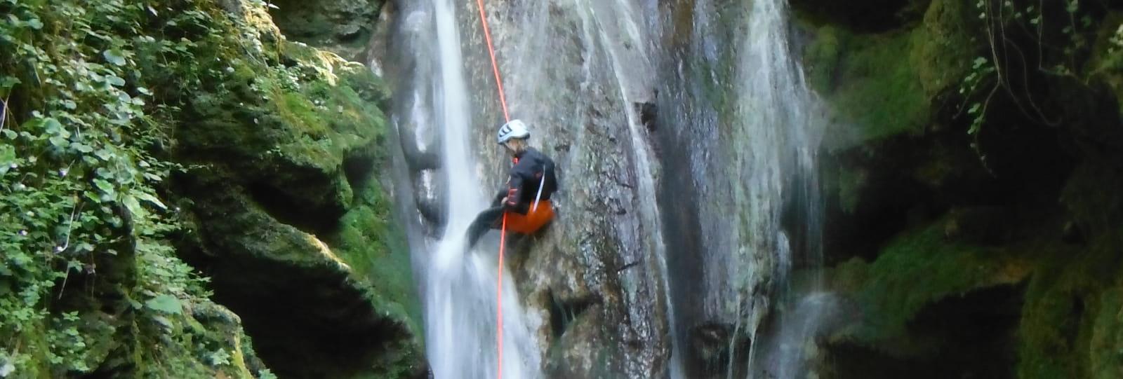 Canyoning et randonnée aquatique avec EVA Location