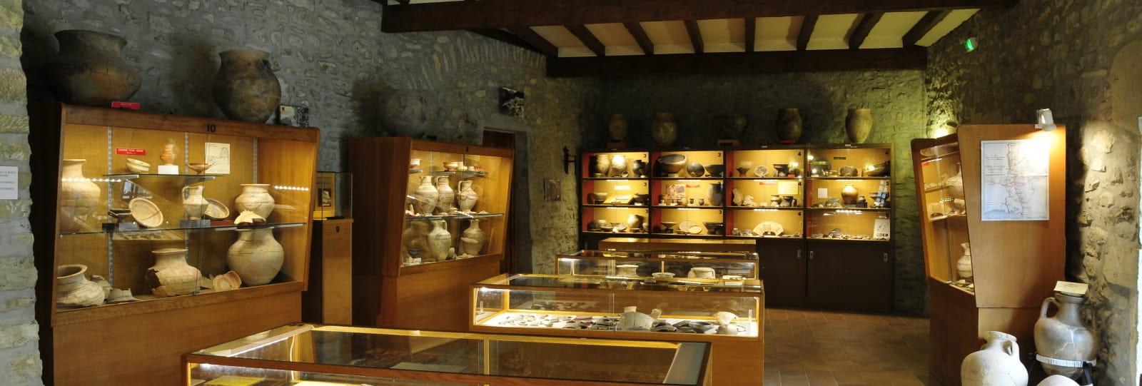 Salle d'exposition - Musée archéologique - Le Pègue