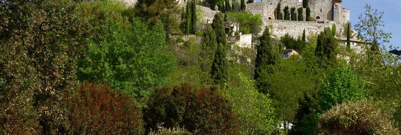 Vue générale - Village de Roussas