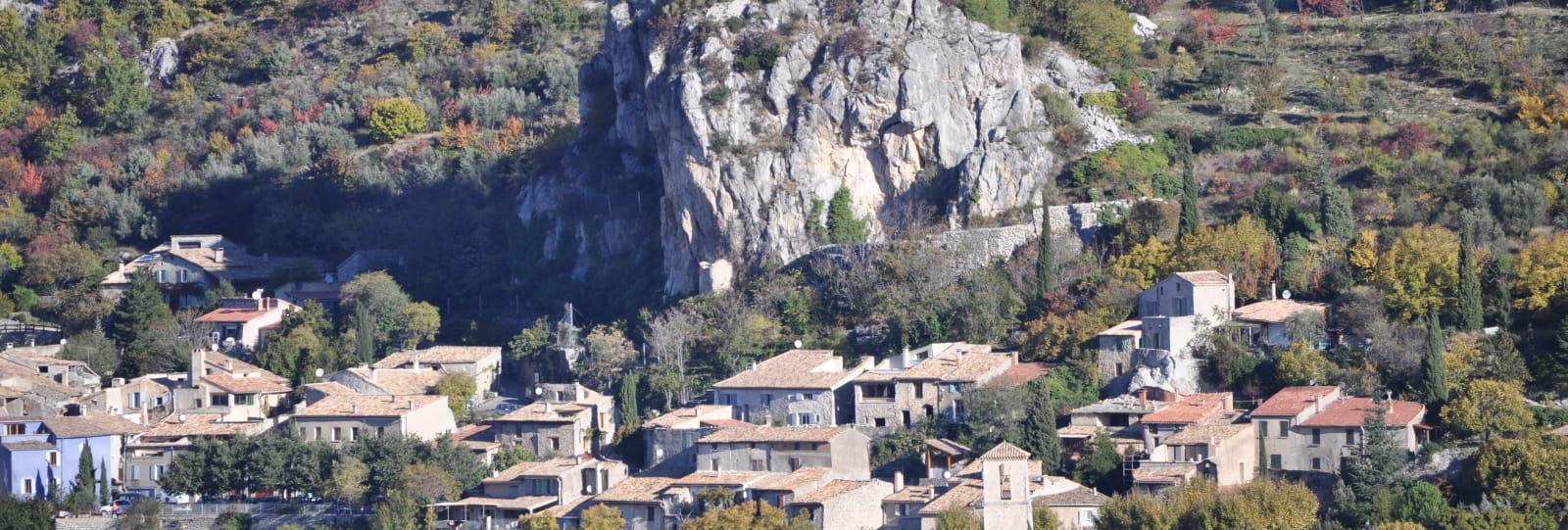 Vue sur le village perché de La Roche-sur-le-Buis
