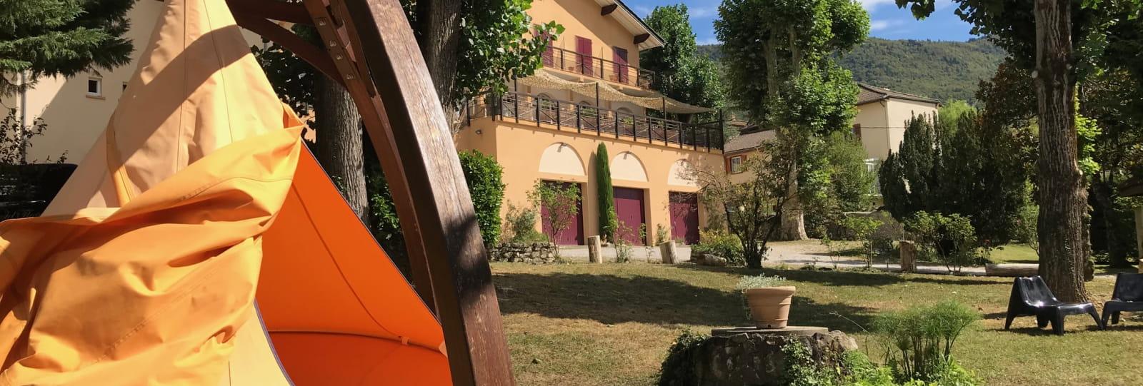 Hôtel-Restaurant le Castel Fleuri