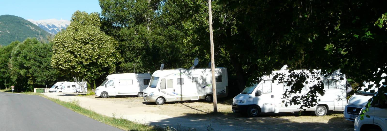 Aire de stationnement de camping cars Montbrun les Bains