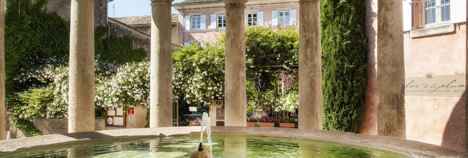 Lavoir classé - Hôtel Le Clair de la Plume