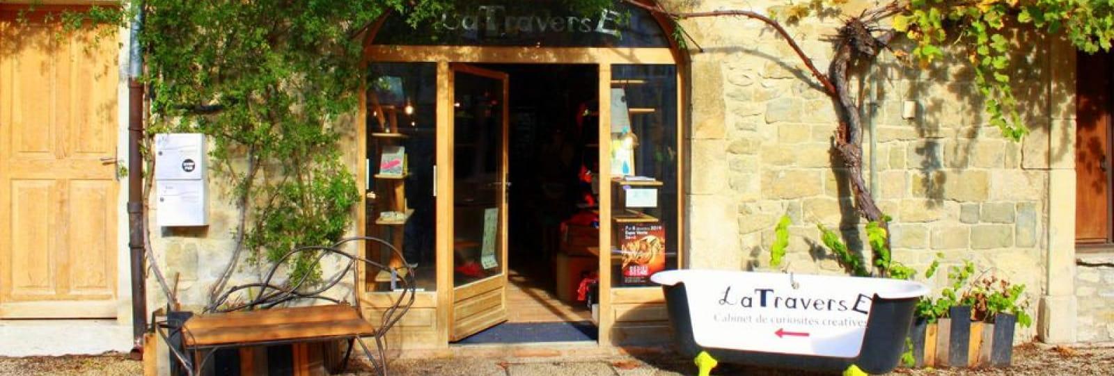 LaTraverse - Cabinet de Curiosités Créatives