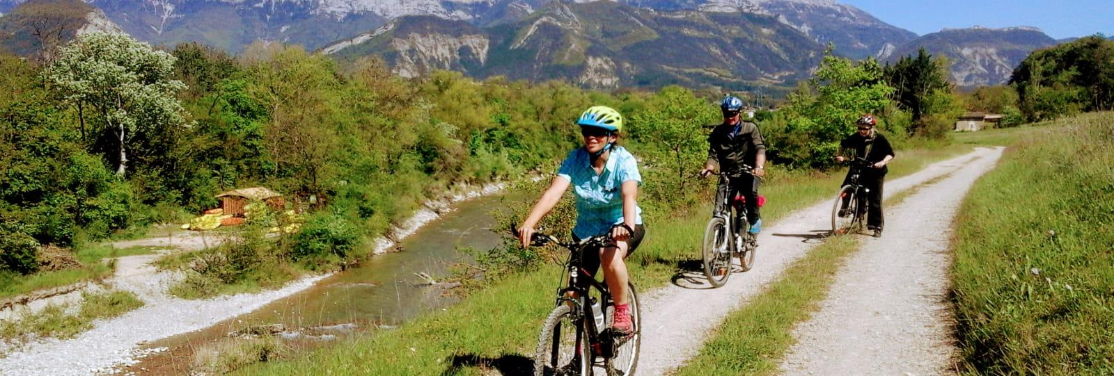 Initiation guidée à vélo électrique - Jardin du Diois avec BEcyclette