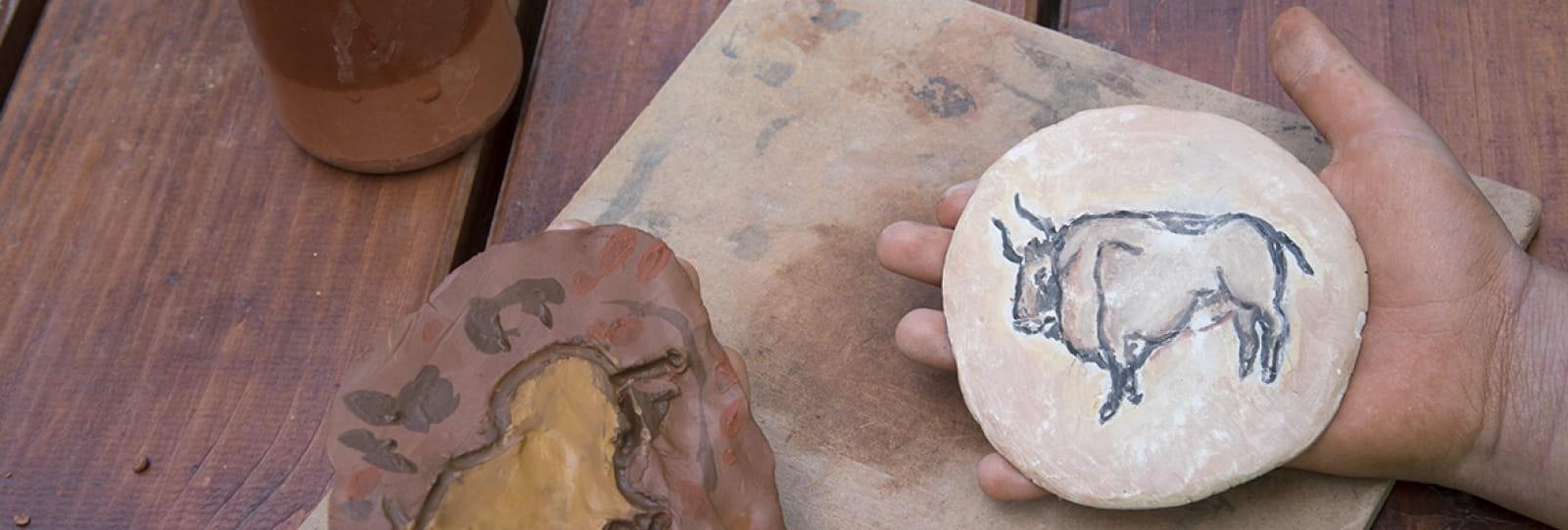 Atelier peinture sur galet Musée de la Préhistoire du Vercors
