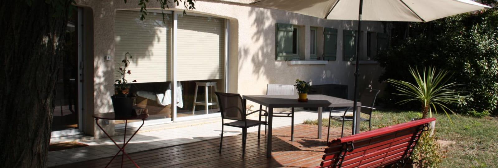 Terrasse bois ombragée