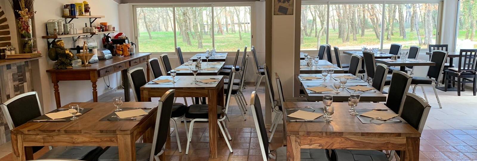 Salle de restaurant intérieur