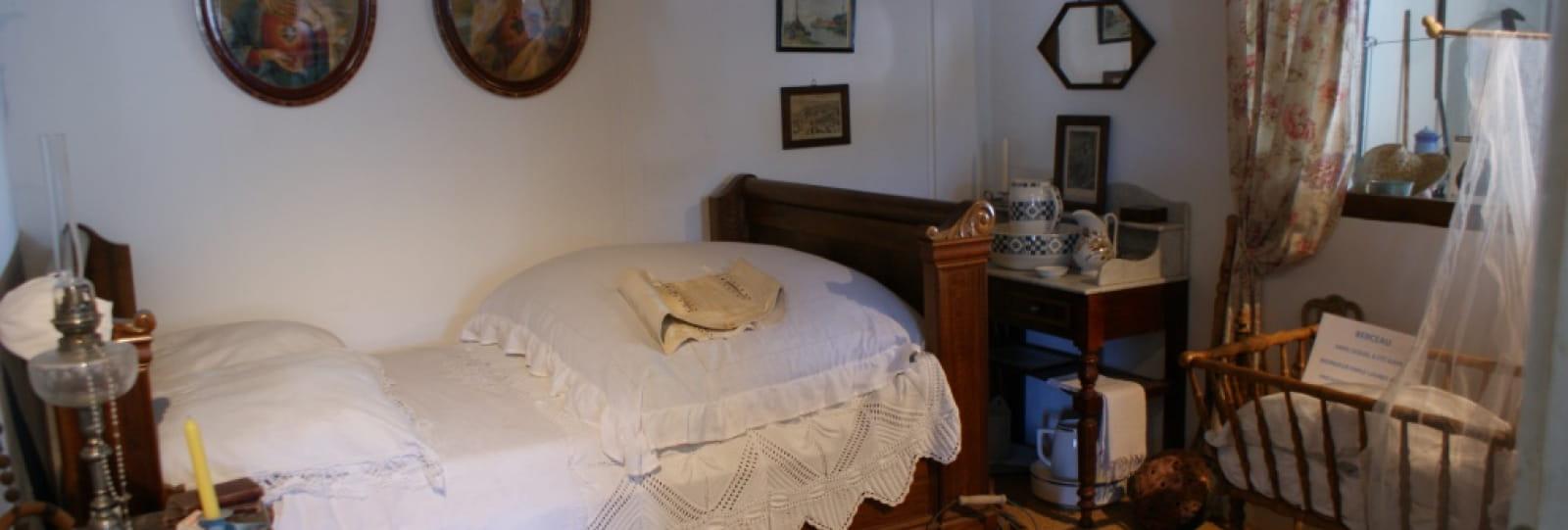 Chambre à Coucher - Mémoire Agricole du Pays de Grignan