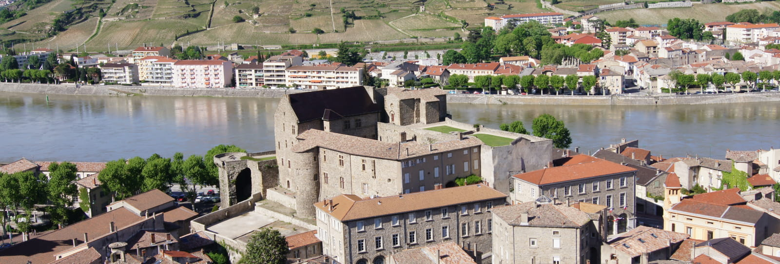 Vue d'ensemble Tournon sur Rhône
